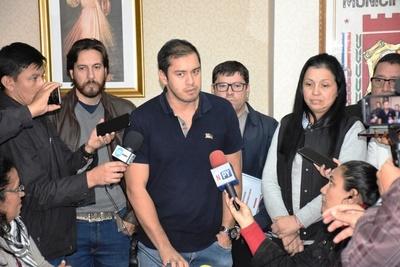 """Intendente de CDE pretende mantener a 591 """"planilleros"""""""