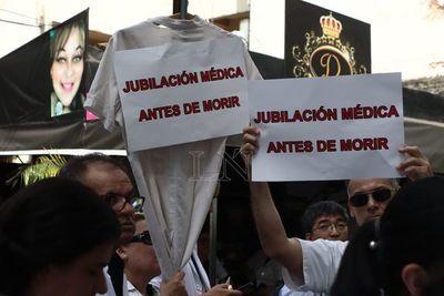 Médicos guaireños repudian a Friedmann por oponerse a jubilación médica