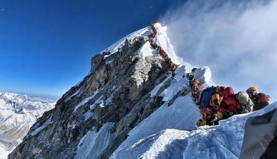 Mueren otros dos alpinistas por el gran atasco en el Everest