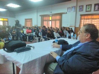 Paraguay, aplazado en educación