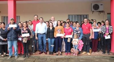 Entregan más de Gs. 700 millones en San Pedro para emprendimientos por Tenonderã
