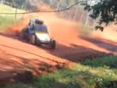 Niña fallece tras ser atropellada en competencia de rally