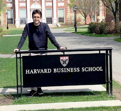 El joven santarriteño que pudo elegir entre Harvard o Stanford