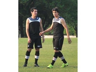 """Zeballos reitera el objetivo: """"Pelear por ambos torneos"""""""
