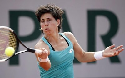 Carla Suárez sobrevive en la primera ronda