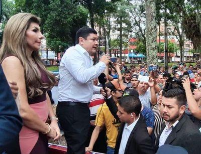 Denuncian a Perla Rodríguez
