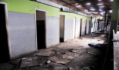 La Terminal de Ómnibus recibe a los viajeros en peligrosas condiciones