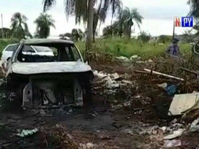 Hallan vehículo incinerado en PJC que habría sido utilizado en atentados
