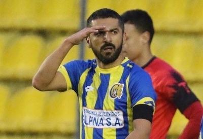 HOY / Mario Jara prescinde del máximo goleador histórico
