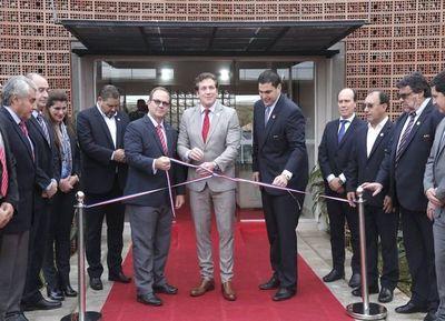 APF inauguró complejo deportivo