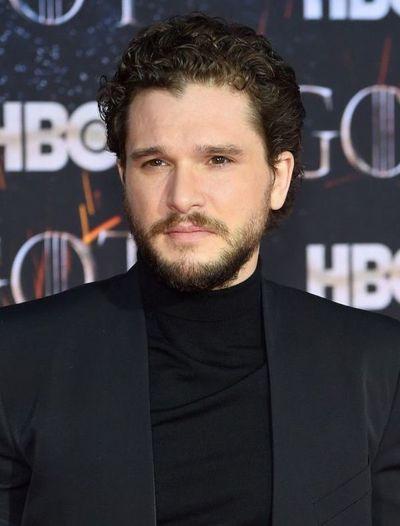 Afectado por el final de GoT, Jon Snow ingresa a rehabilitación por alcoholismo