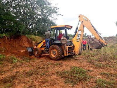 Yacyreta capacita a operadores de maquinarias para obras en Aña Cuá