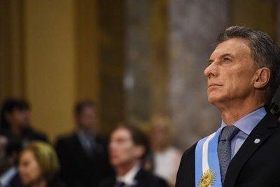 Macri defiende la modernización del ejército argentino durante su mandato