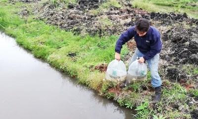 Yacyretá apoya a un joven emprendedor de San Ignacio