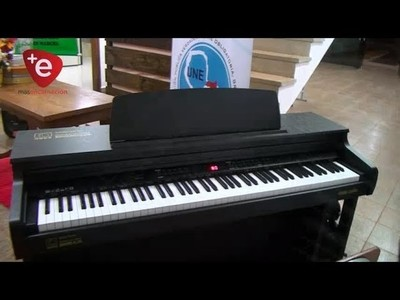MINISTERIO DE EDUCACIÓN DONA PIANO A CAMBYRETÁ