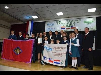 2 MUNICIPIOS Y 4 ESCUELAS DE ITAPÚA RECIBEN CERTIFICACIÓN AMBIENTAL