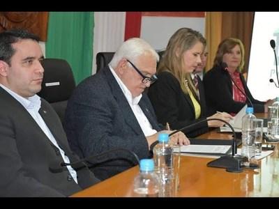 ITAPÚA FIRMA CONVENIO CON INDUSTRIA Y COMERCIO
