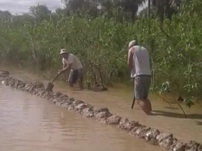 Pobladores de Toro Pampa intentan superar el aislamiento vial