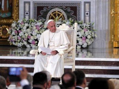 El papa denuncia la lógica del dinero y de poder que impera en el mundo