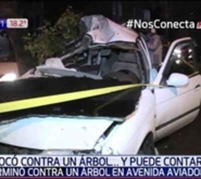 Conductor se salva de milagro tras aparatoso accidente en Asunción