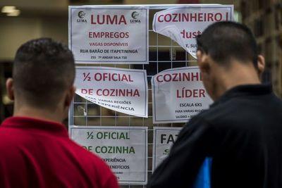 La caída del desempleo da una tregua a un Brasil que no consigue despegar