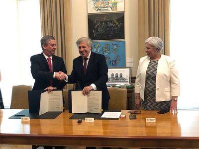 TSJE y OEA firman convenio de cooperación para aplicación del voto electrónico