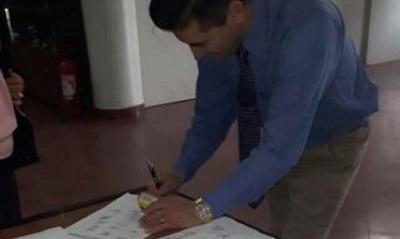 Juntan firmas para eliminar jubilación parlamentaria