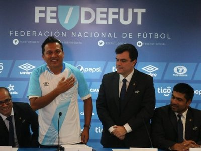 Nuevo técnico busca que Guatemala venza a Paraguay