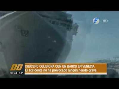 Crucero colisionó con un barco en Venecia