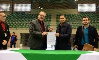 Oficialmente la Gobernación entregó polideportivo a la Municipalidad