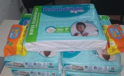 Primos Fernández se unen para donar pañales al Hospital Regional