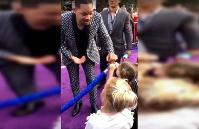 El tierno gesto de Will Smith en la premiere de 'Aladdin' con dos niñas que creían que era un genio de verdad