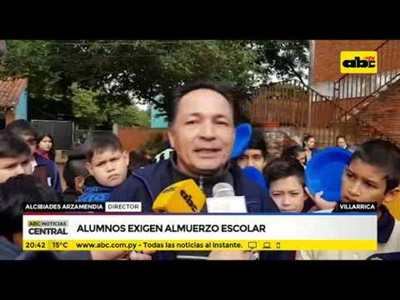 Alumnos exigen almuerzo escolar en Villarrica