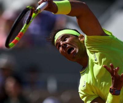 Victoria 90 de Nadal en Roland Garros, mientras que Federer camina fácilmente a los cuartos de final.