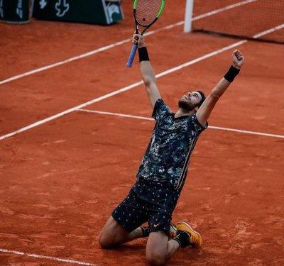 Del Potro cae, Djokovic y Thiem se pasean