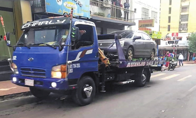 Multarán G. 406.000 por estacionar en veredas