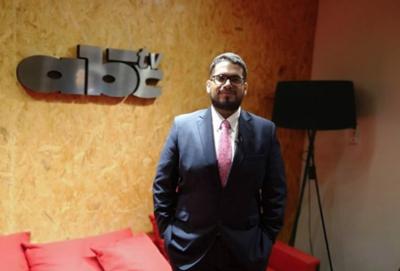 HOY / Periodista 'doble faz' negociaba espacios en ABC para políticos, reconoce productora