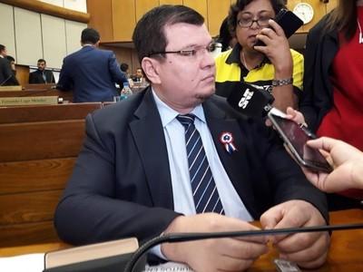 Abogada de Dionisio Amarilla arremete contra la 'dictadura de la prensa'