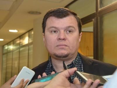 Dionisio Amarilla dice que toma 'sin lloro' su inminente destitución y anuncia que seguirá haciendo política