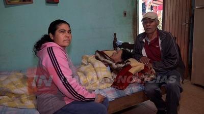 ABUELA ENFERMA Y SU PAREJA SIGUEN ESPERANDO SU PENSIÓN DE TERCERA EDAD.