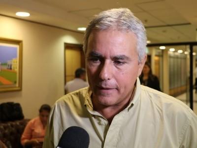 Entregar una suma 'simbólica' a Arrom y Martí iba a ser una estafa para todo el pueblo paraguayo, asegura legislador