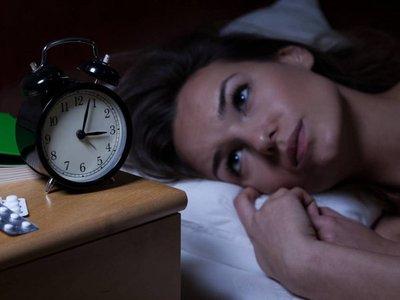 20% de latinos usan píldoras para dormir pese a afectar su sueño