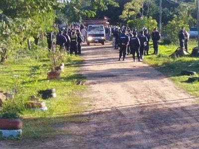 Desalojan a familias de un asentamiento en Capiatá