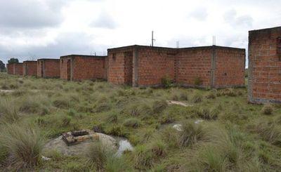 Villa Florida: Después de 8 años el MUVH retomará obras de 41 viviendas sociales