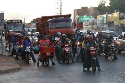 Motociclistas deberán ir escuela de conducción antes de obtener licencias