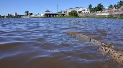 HOY / Leve descenso del río Paraguay trae alivio a miles de familias afectadas