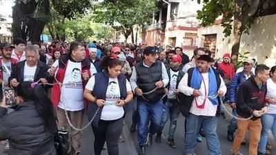Esteños se manifiesta y exigen libertad de Ulises Quintana