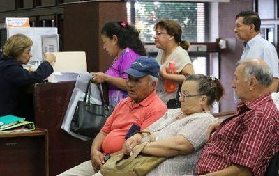 Estado invierte mensualmente en ancianos de escasos recursos un total  de G. 101.506 millones