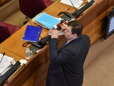 Piden suspensión sin goce de sueldo para Dionisio Amarilla