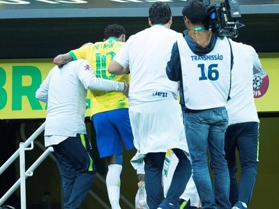 El DT de Bolivia teme a Brasil con o sin Neymar